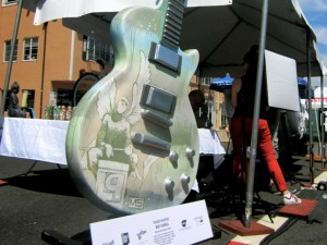 SUNSET STRIP GUITARTOWN AUCTION