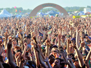 BONNAROO WORKS FUND & MFR JOIN FORCES FOR VOLUNTEER EVENT