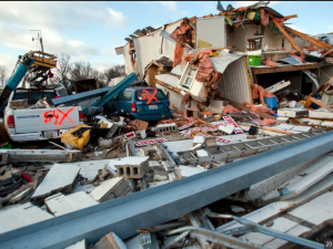 EF4 TORNADO HITS ILLINOIS