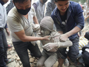 7.8 EARTHQUAKE DEVASTATES NEPAL